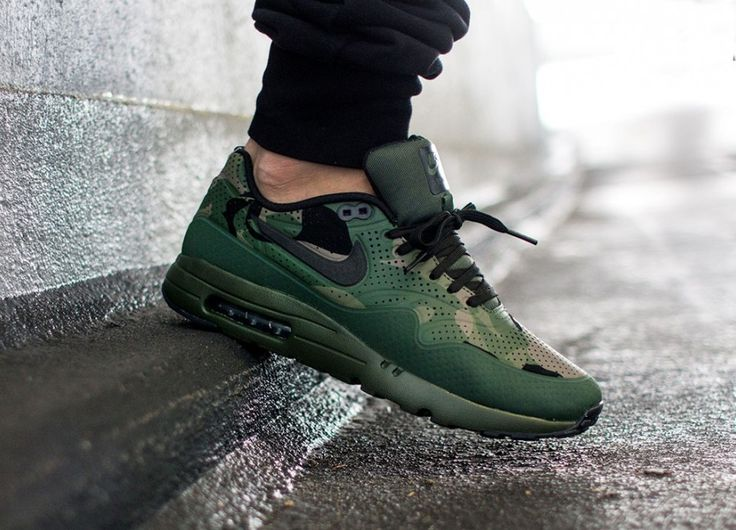 Nike Air Max 1 Ultra Moire Print Carbon Green / Black