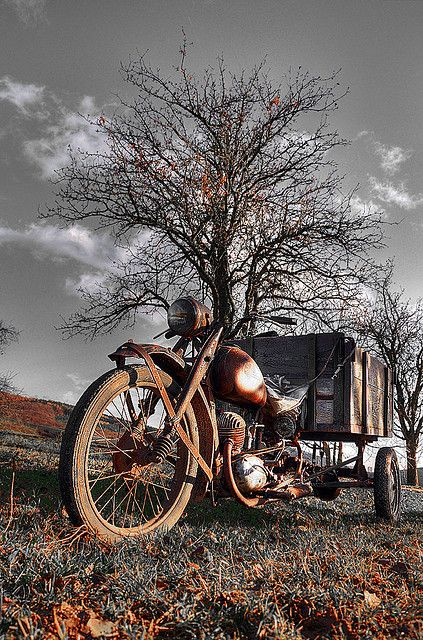 Old motorcycle   Flickr - Photo Sharing!