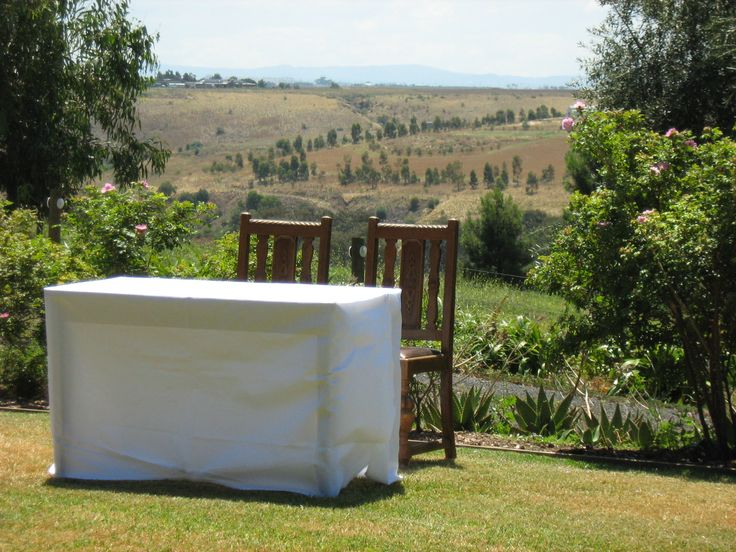 Ceremony signing table on back lawn area
