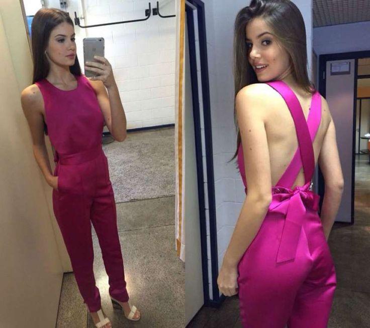 Camila Queiroz usou a mesma peça durante participação no programa 'Encontro com Fátima Bernardes' - Reprodução, Instagram