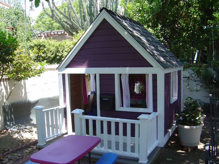 inside playhouse | Remodelaholic | Playhouse Makeover with Help from the Kiddos...