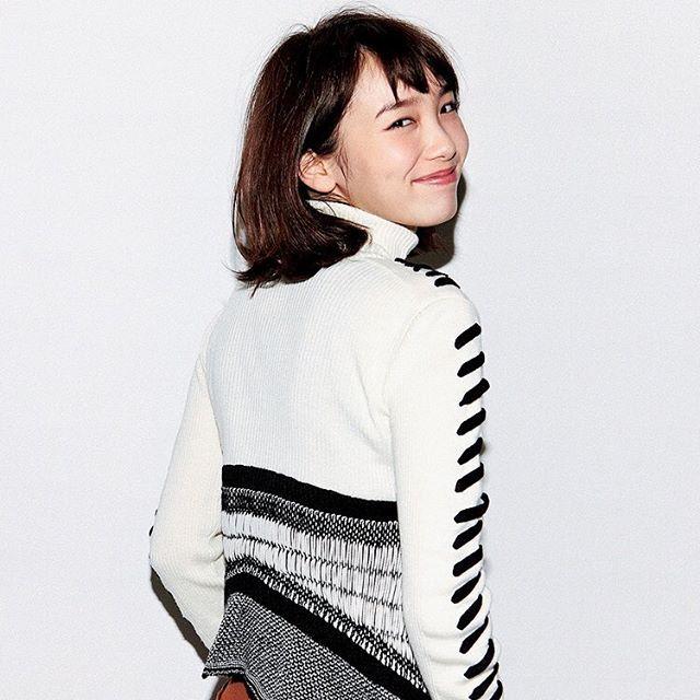 間もなく公開!映画きょうのキラ君ヒロインの飯豊まりえちゃんからメッセージをいただきました注目Itガールのここだけバナシをellegirl.jpで公開中ストーリーズの動くまりえちゃんから見てね #きょうのキラ君#飯豊まりえ#中川大志#ellegirl  via ELLE GIRL JAPAN MAGAZINE OFFICIAL INSTAGRAM - Celebrity  Fashion  Haute Couture  Advertising  Culture  Beauty  Editorial Photography  Magazine Covers  Supermodels  Runway Models