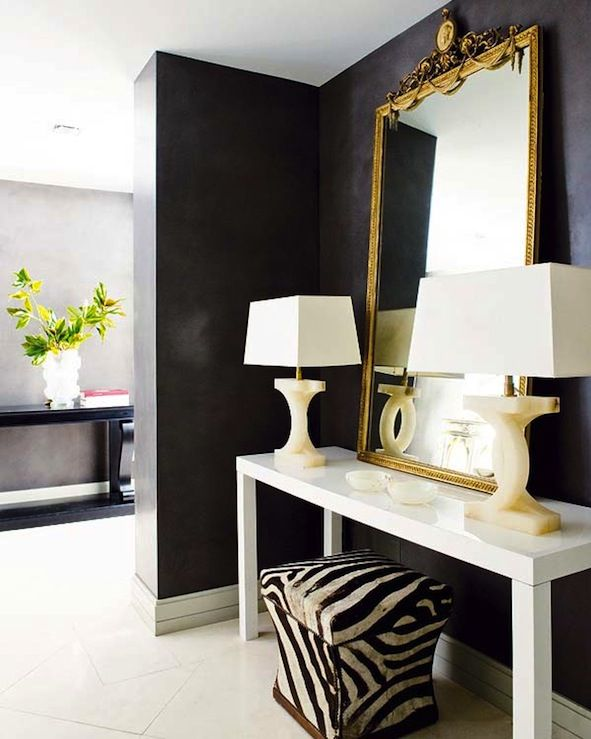 console, lamps, mirror