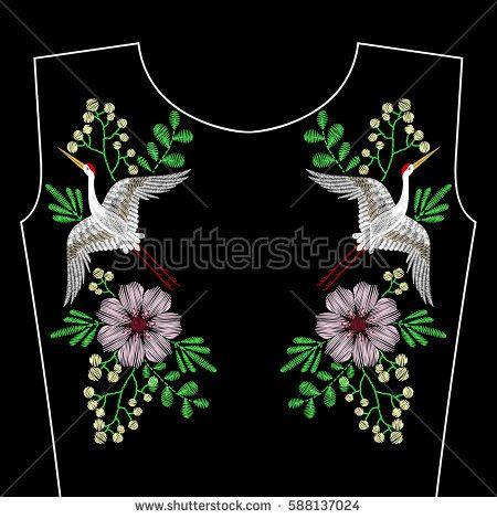 Вышивка стежками с краном птица, весна дикие цветы на декольте. Вектор моды вышитый орнамент на черном фоне для текстильной, ткани традиционные народные украшения, цветочный узор.