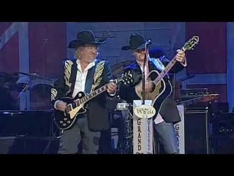 "John Anderson and John Rich - ""Seminole Wind"" on Opry Live"