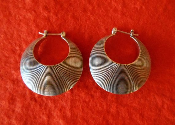Hey, I found this really awesome Etsy listing at https://www.etsy.com/listing/193644782/balinese-sterling-silver-hoop-earrings