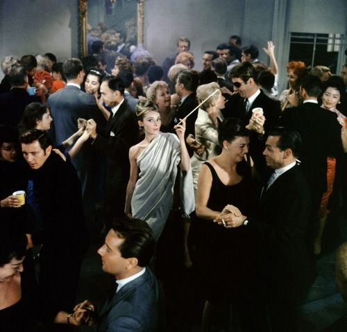 lulasnynne:  supermodelgif:  Breakfast at Tiffany's (1961)  Best party ever