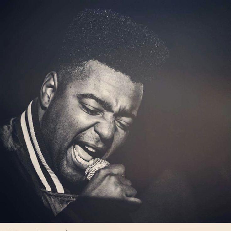 Malabá no microfone Black afro 2016