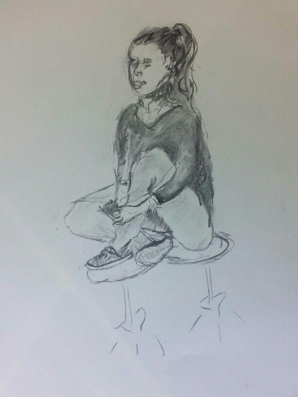 Meisje op krukken, houtskool zwart.