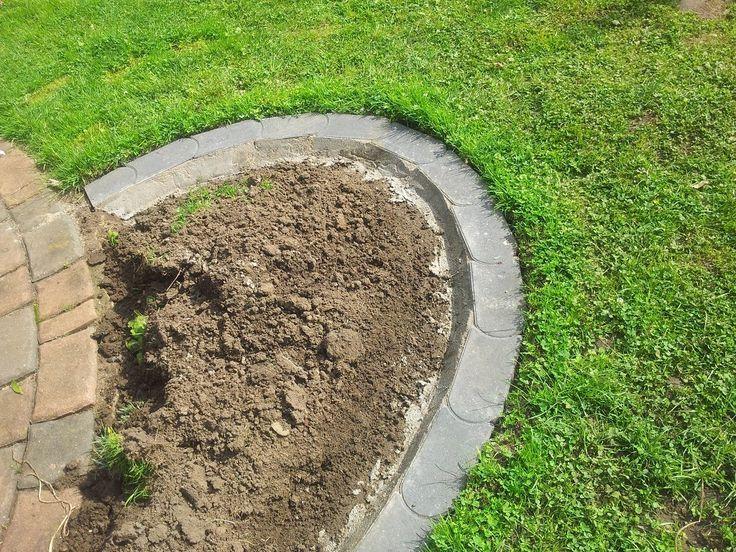 Rasenkanten / Mähkanten / Rasenkantensteine anlegen leicht gemacht / Rasenkantensteine verlegen / Rasenkantensteine setzen / Mähkante setzen Vorwort: Wer sich in seinem Garten Pflanzbeete oder Raba…