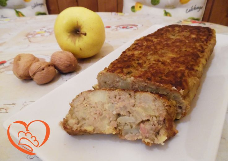 Polpettone di tonno,patate e pesto http://www.cuocaperpassione.it/ricetta/b5381f4c-9f72-6375-b10c-ff0000780917/Polpettone_di_tonnopatate_e_pesto