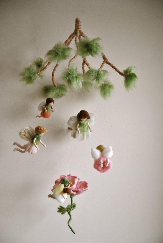 Весенние мобильные Waldorf вдохновил игольчатые войлочные куклы: Цветы феи