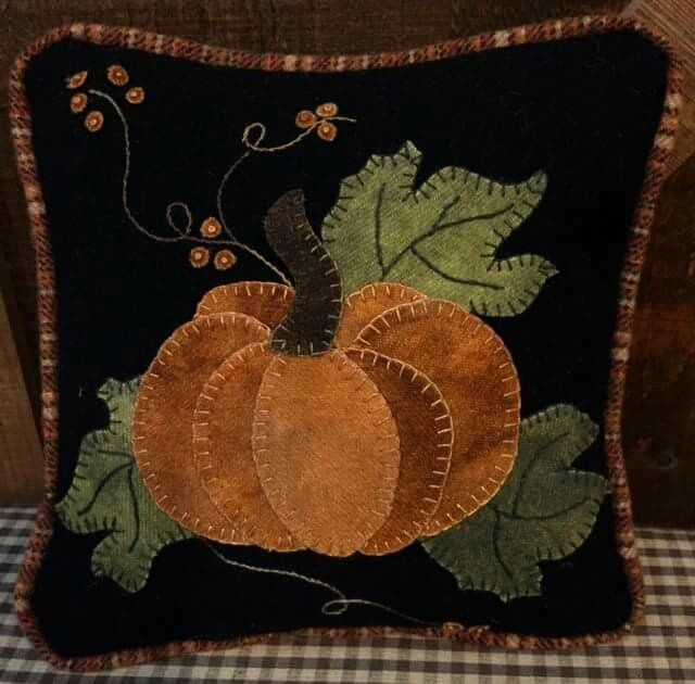 Love this autumn wool applique pumpkin pillow!!!  Just exactly my style!!!
