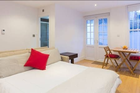 Check out this awesome listing on Airbnb: Hidden Gem in Earls Court - 1BR Apt - Flats for Rent in London