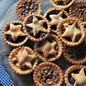Mini Cherry, Apple and Pecan Pies | Wild West Party - PartySavvy - SavvyMom.ca