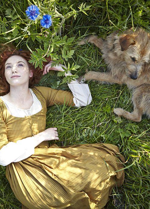 Eleanor Tomlinson in 'Poldark' (2015).
