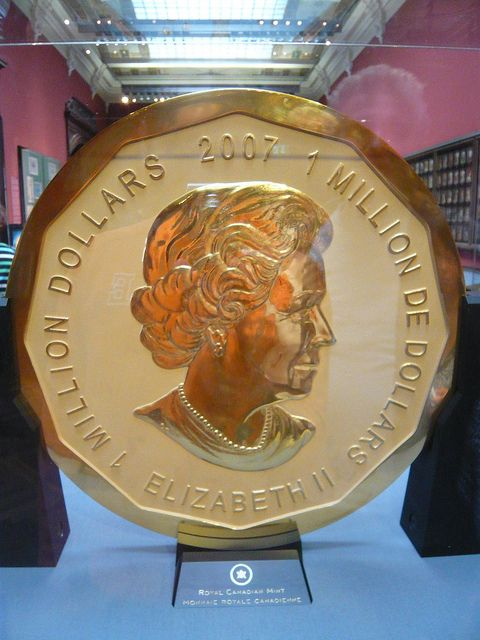 Largest Gold Coin / Най-голямата златна монета by mitko_denev, via Flickr