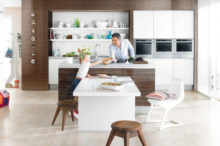 wenn der esstisch direkt an die kochinsel grenzt sollten sie die sp le besser im k chenblock an. Black Bedroom Furniture Sets. Home Design Ideas