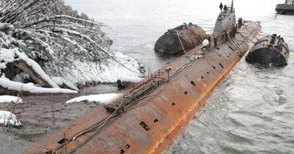 Sottomarino nazista riemerge dal Lago Ontario