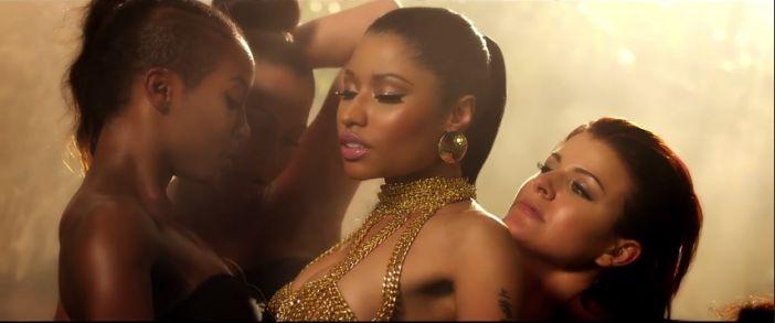 """Nicki Minaj treme o bumbum e rebola para Drake em clipe de """"Anaconda"""" http://angorussia.com/?p=21881"""