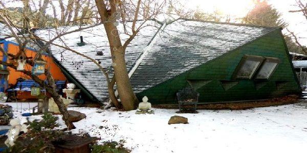 Triangular House Found in Denver with Modern Exterior