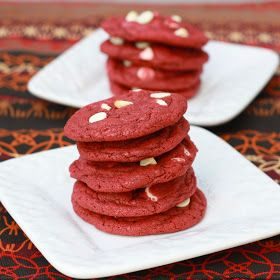 The Sweets Life: Red Velvet CookiesDesserts, Food Ideas, Sweets Treats, Sweets Life, Red Velvet Cookies, Baking, White Chocolates Chips, Red Life, Food Drinks