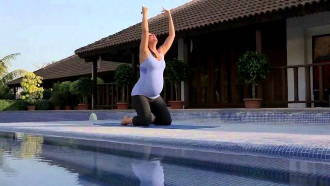Hamile Kadınlar İçin - Lara Dutta İle Yapabileceğiniz Yoga Egzersizleri - Gebelik esnasında kolay yoga egzersizleri