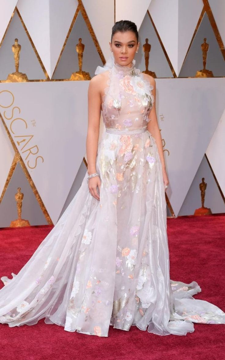 Hailee Steinfeld In Ralph & Russo Couture – 2017 Oscars