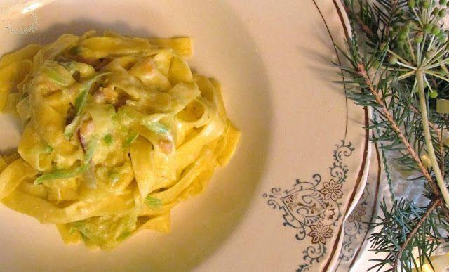 Briciole di Sapori           : Tagliolini al salmone e zucchine