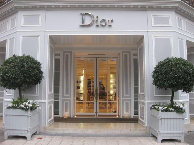 Avenue Montaigne: Paris' Most FashionableStreet » BoutiqueDior      Dior boutique        No comments yet  Leave a Reply    Enter your comment here...    Blog at WordPress.com.
