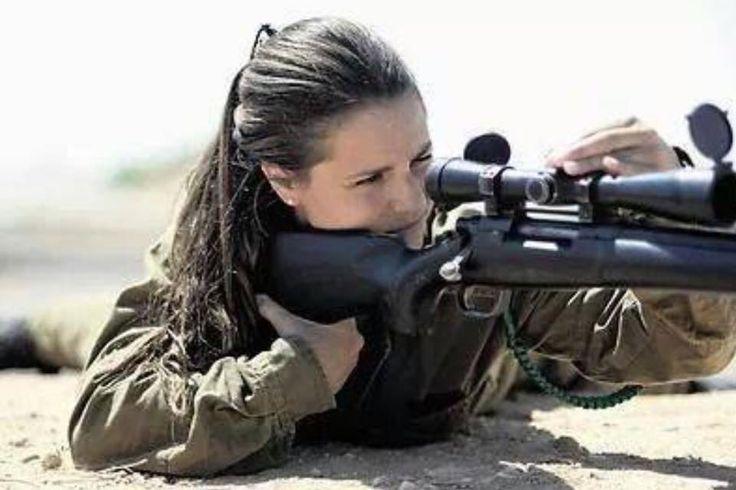Girl With Gun Girls With Guns Guns Girl Guns En Military Girl