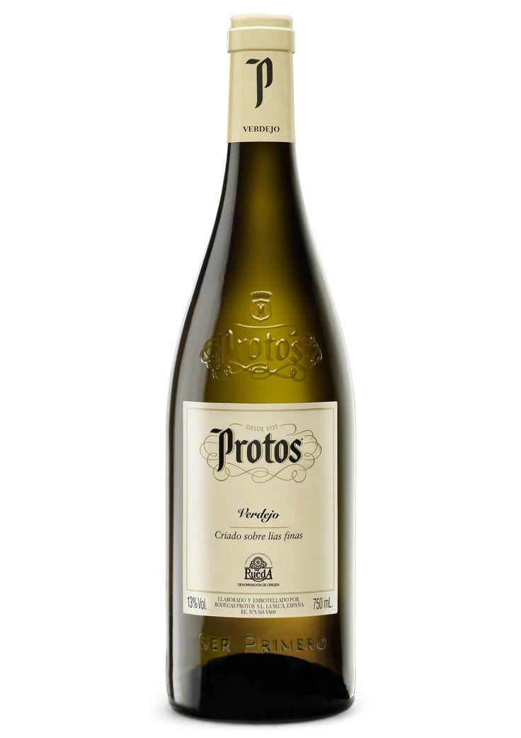 Protos Verdejo. La frescura de este vino no va a dejarte indiferente. ¿Su secreto? La variedad de uva verdejo, su equilibrio grado-acidez, su maceración y su fermentación.