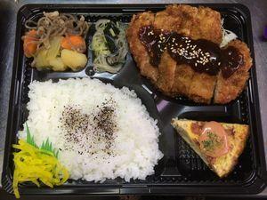 平成26年9月16日(火)ランチメニュー:ミルフィーユ豚カツ/肉じゃが/厚焼き卵/春雨酢の物