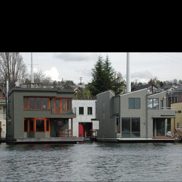 2 Mod Houseboats In Seattle
