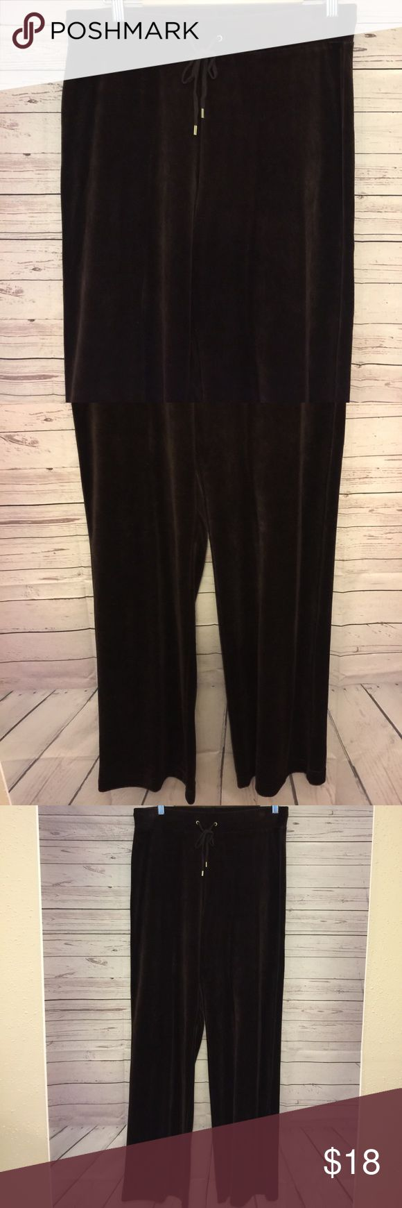 Jones New York Women's Size M Brown Velvet Pants Gently used no flaws waist 16 in Length 43 in inseam 32 in Jones New York Pants Track Pants & Joggers