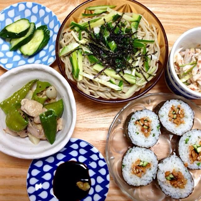 暑い日にさらりと食べられる、スタミナメニュー✧*納豆巻きの酢飯にネギをまぶしたら、美味しかったです(*´︶`*) - 34件のもぐもぐ - とろろそば、納豆巻き、ササミときゅうりの梅肉和え、シシトウと鶏モモ肉のガーリック炒め、浅漬けきゅうり✧* by maki512