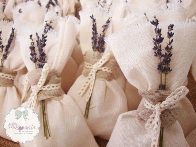 Levander_Burlap_lace wedding favors