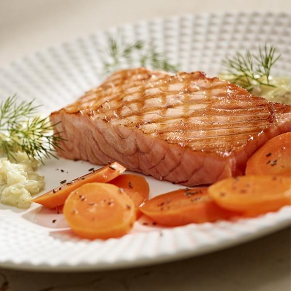 Pstrąg łososiowy z karmelizowaną marchwią - Kuchnia Lidla #lidl #przepis #pstrag #losos