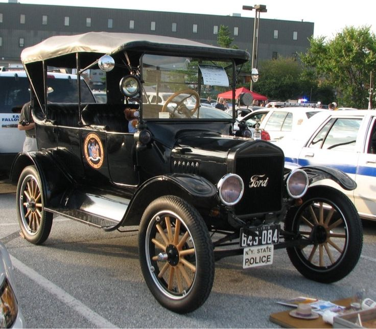 1919 Ford Model T, New York State Police.....