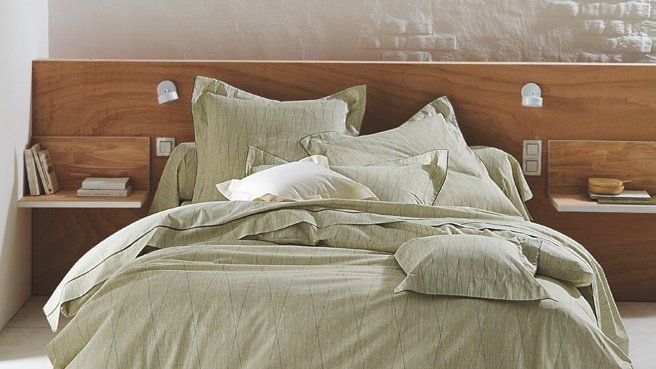 Tête de lit en bois
