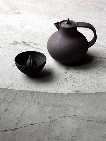 Black ceramics odd and simple shapes by kazunori ohnaka