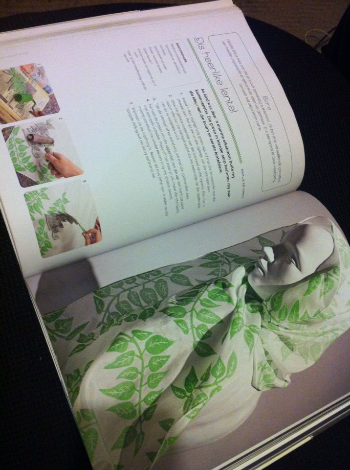 Lino print silk scarf tutorial appears in 50 Silk Scarves by Melanie Brummer and Metz Press.  info@dyeandprints.co.za