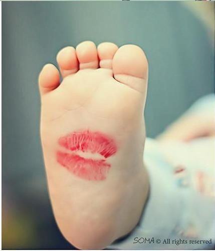 """I would love to do this and frame all the grandchildren's baby feet kissed by me and label it """"Kisses from Mimi"""""""