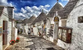 We love Puglia and its famous Trulli!