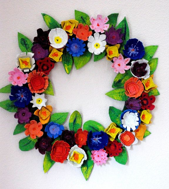Egg Carton Flowers | egg carton wreath finished | Flickr - Photo Sharing!