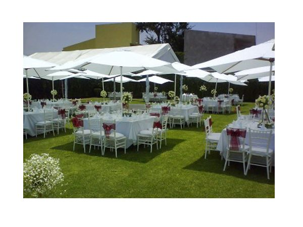 Montaje de boda en jard n decoraci n para boda for Bodas sencillas en jardin