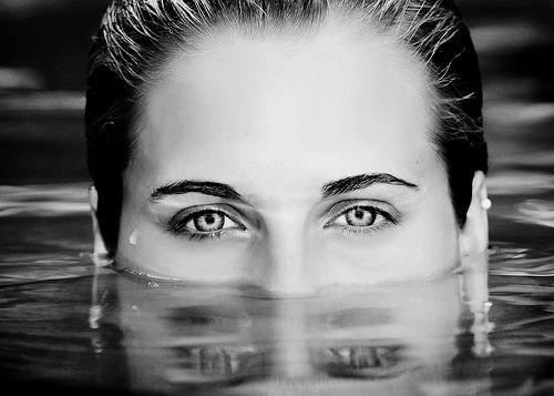 swimming senior portraits