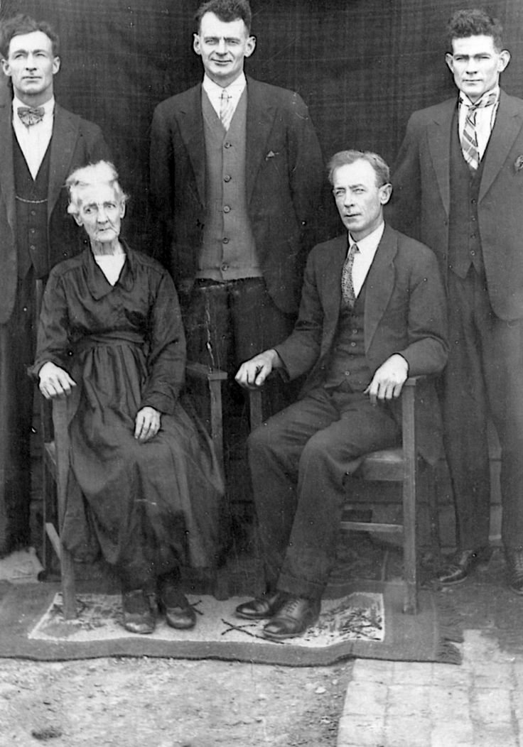 Sarah Mathews nee Finn, wife of Old T.A.`s son Peter with 4 sons. Sarah & Peter Mathews buried Lithgow Cemetery.