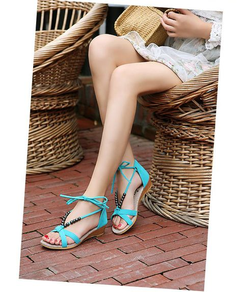 2013 flat heel sandals with beaded lacing gladiator style wedges.  Oh Yes! ♥♥♥  #sandal #beadedsandals #gladiatorsandals