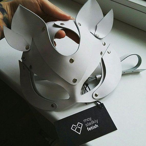 Catwoman+Mask+-+Cat+mask+-+Animal+mask+-+Fetish+-+Leather+mask+-++Cat+masks+-+Black+cat+mask+-+Black+and+white+masks+-+White+cat+mask